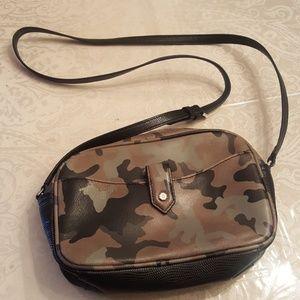GILLI Crossbody Handbag